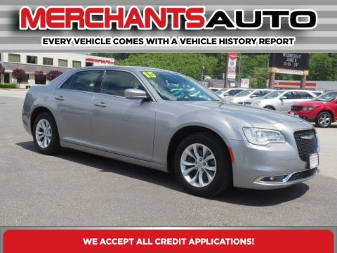 Pre-Owned 2015 Chrysler 300 Limited RWD 4D Sedan