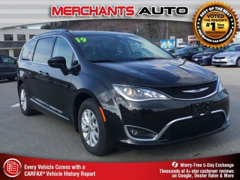 Used 2019 Chrysler Pacifica Touring L FWD 4D Passenger Van